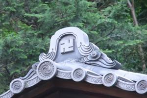 buddhist-swastika-japan-e1364805098137